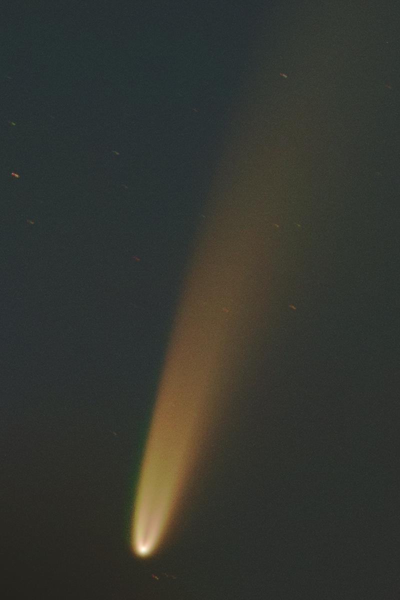 https://observatori.uv.es/images/Neowise_crop.jpg